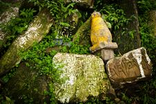 Free Buddhist Prayer Stones With Mantra Royalty Free Stock Images - 34659199