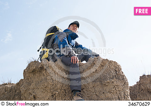 Free Hiking Royalty Free Stock Images - 34670629