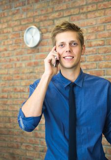 Free Young Businessman Talking On Phone. Royalty Free Stock Photos - 34678368