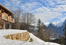 Free Alpine Chalet Stock Photos - 34679863