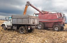 Free Machines For Harvesting Maize Royalty Free Stock Photos - 34683038