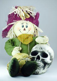 Free Scarecrow Huging Human Skull Stock Images - 3470454