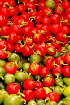 Free Red And Green Peppers Stock Image - 3471221