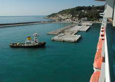 Free Cruise Ship Docking Royalty Free Stock Photography - 3479767