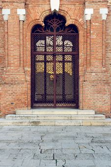 Free Old Brancovenian Door Royalty Free Stock Image - 34702116
