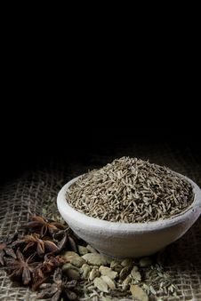 Free Spices, Cooking Ingredients Royalty Free Stock Images - 34707319