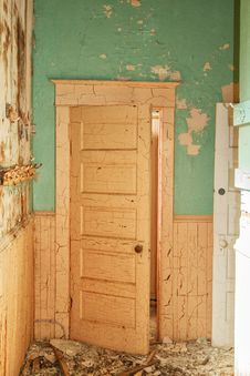 Free An Old Door With Peeling Paint Royalty Free Stock Photos - 34709568