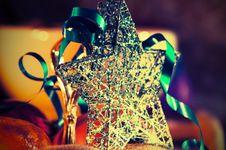 Free Beautiful Christmas Star Royalty Free Stock Photos - 34715558