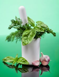 Free Dill, Parsley And Basil. Spices In A Mortar Stock Photography - 34726592