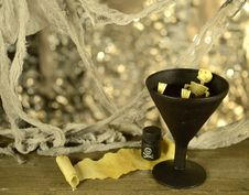 Free Skeleton In Cup Of Wine Royalty Free Stock Photo - 34765305