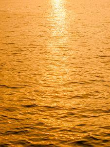 Free Reflective Sun Stock Image - 34767291