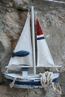 Free Boat Souvenir Royalty Free Stock Photos - 34768998