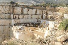 Free White Marble Quarry Stock Photo - 34780220