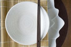 Free White Plate And Chopstick Stock Images - 34782034