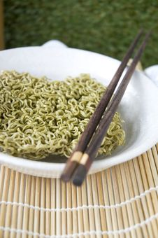 Free Instant Noodle In Bowl With Chopstick Royalty Free Stock Photos - 34782548