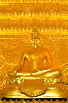 Free Golden Buddha Statue At The Temple In Thailand. Royalty Free Stock Photos - 34795418