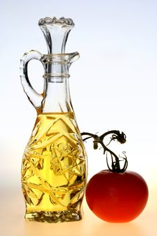 Free Oil Bottle With Tomato Stock Image - 3482791