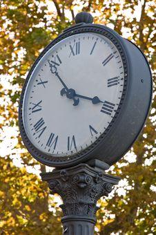 Free Classic Clock Royalty Free Stock Photos - 3485438