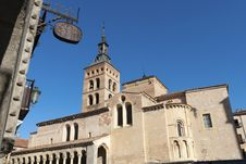 Free San Martin Church, Segovia Royalty Free Stock Photo - 34807615