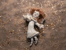 Free Handmade Linen Angel On Golden Background Stock Image - 34812051