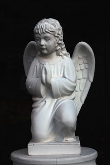 Free Figure Of A Praying Angel Stock Photography - 34862352