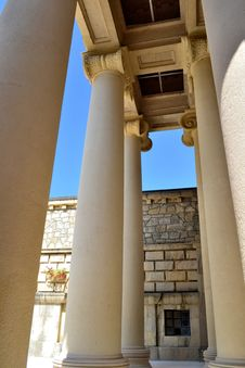 Free Columns In The Roman Style Stock Images - 34882444
