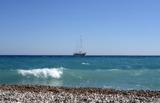 Free Yacht In The Sea Royalty Free Stock Photography - 34896967