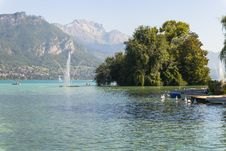 Free Lake In Annecy Royalty Free Stock Photo - 34911395