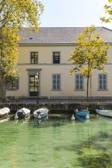 Free River In Annecy Stock Photo - 34911510