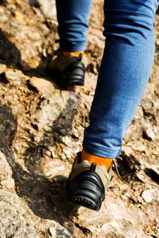 Free Hiking Shoes Closeup,walking On Mountain Road Royalty Free Stock Photography - 34914737