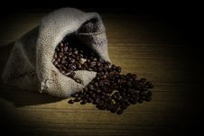 Free Robusta Coffee Beans Stock Photography - 34915482