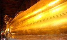 Free Reclining Buddha Gold Statue Stock Image - 34941501