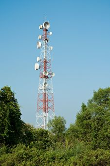 Free Microwave Transmission Tower 03 Royalty Free Stock Photography - 34946607