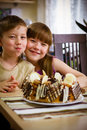 Free Children Eat A Cake Stock Photography - 34959412