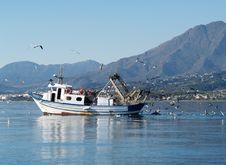 Free Fishing Boat Royalty Free Stock Photos - 34958068