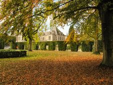 Free Castle Of Jehay In Fall Colors Stock Photo - 34967630