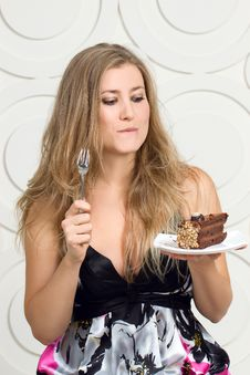 Free Woman Enjoy Cake Stock Photos - 34974813