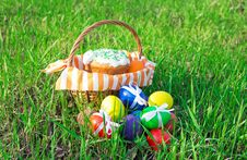 Free Easter Cake On Green Spring Grass Royalty Free Stock Images - 34977909