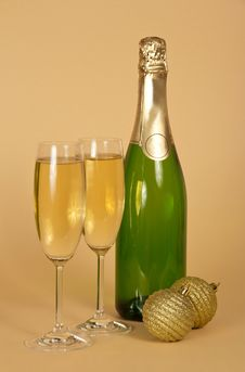 Free Bottle And Two Wine Glasses With Champagne Stock Photography - 34983652