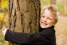 Free Hugging Tree Royalty Free Stock Photos - 34991258