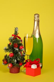 Free Champagne, Small Fir-tree In A Pot With Toys And Stock Photography - 34995422