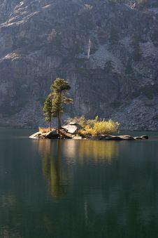 Free Lake Isand Stock Image - 352841