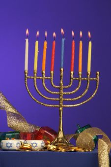 Free Menorah Series 8 Royalty Free Stock Image - 353956