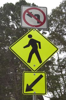 Free Pedestrian Roadsign Stock Image - 355241