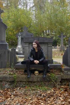 Free Woman In Cemetery Stock Images - 3502794