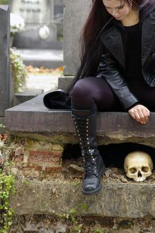 Free Woman In Cemetery Stock Images - 3502804