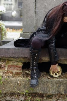 Free Woman In Cemetery Royalty Free Stock Photography - 3502827