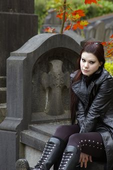 Free Woman In Cemetery Royalty Free Stock Image - 3502886