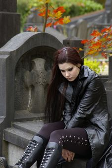 Free Woman In Cemetery Stock Image - 3502901