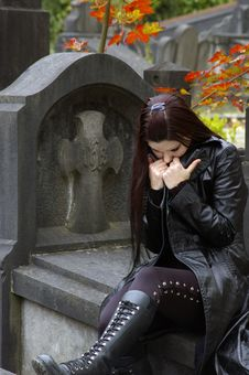 Free Woman In Cemetery Royalty Free Stock Photography - 3502907